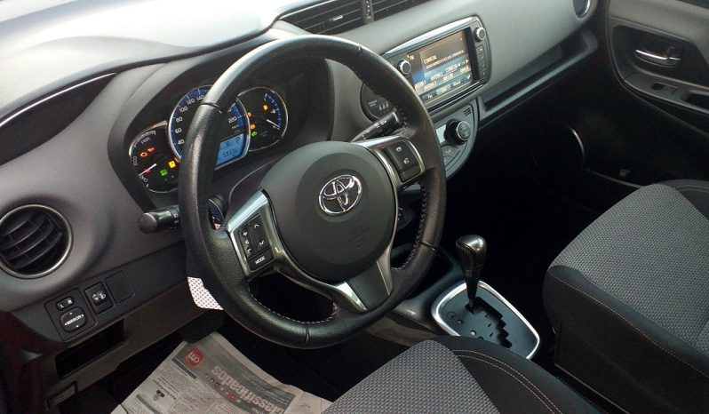 Toyota Yaris 1.5 Hsd Comfort + P.Style completo