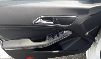 Mercedes Cla 200d J 18 completo